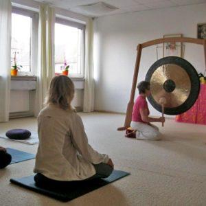 Om-Chanting-Yoga-in-Kiel